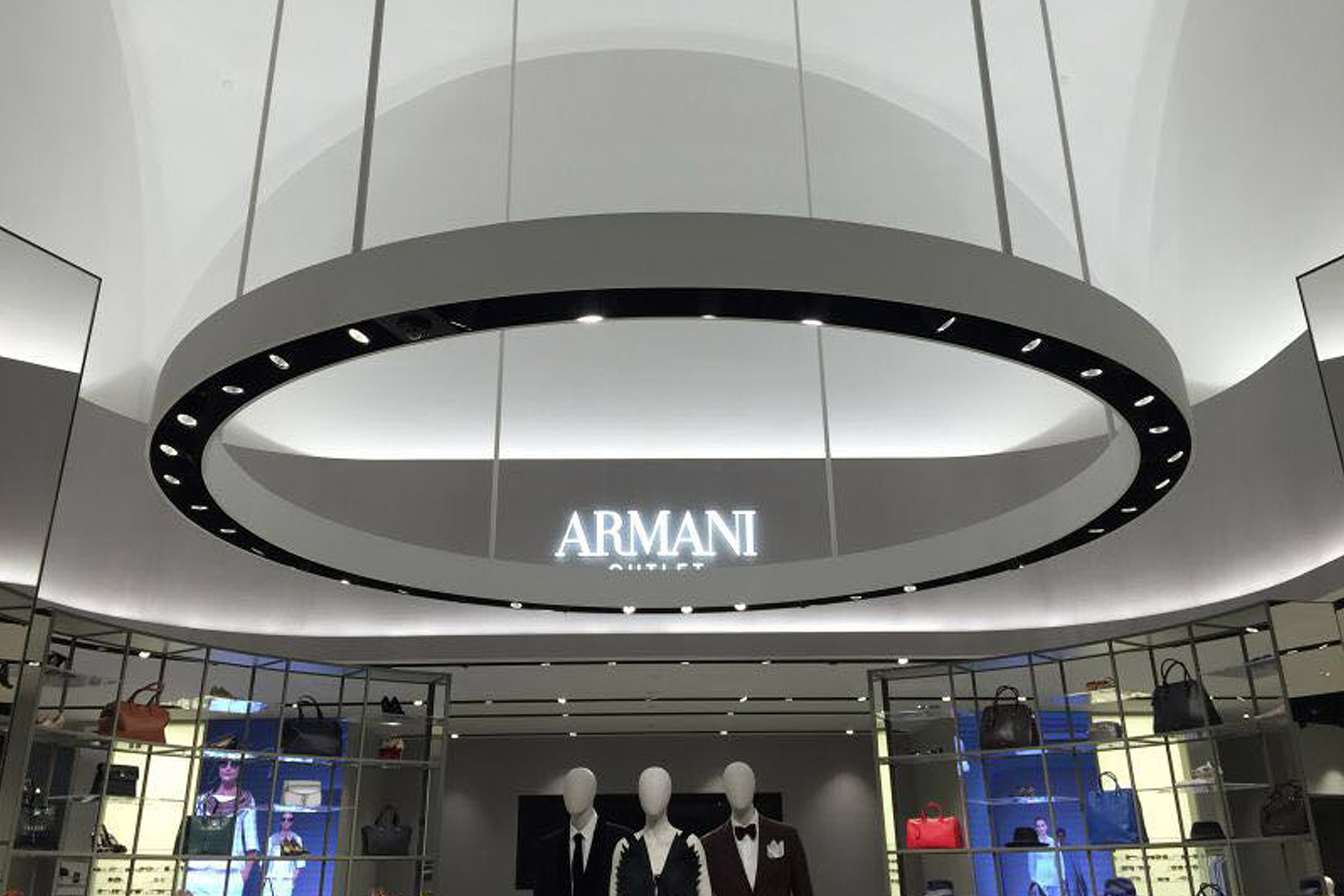 Armani特卖场